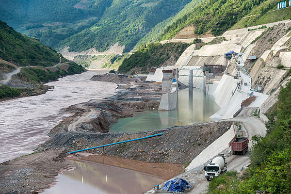 Dam north of Weixi on Mekong